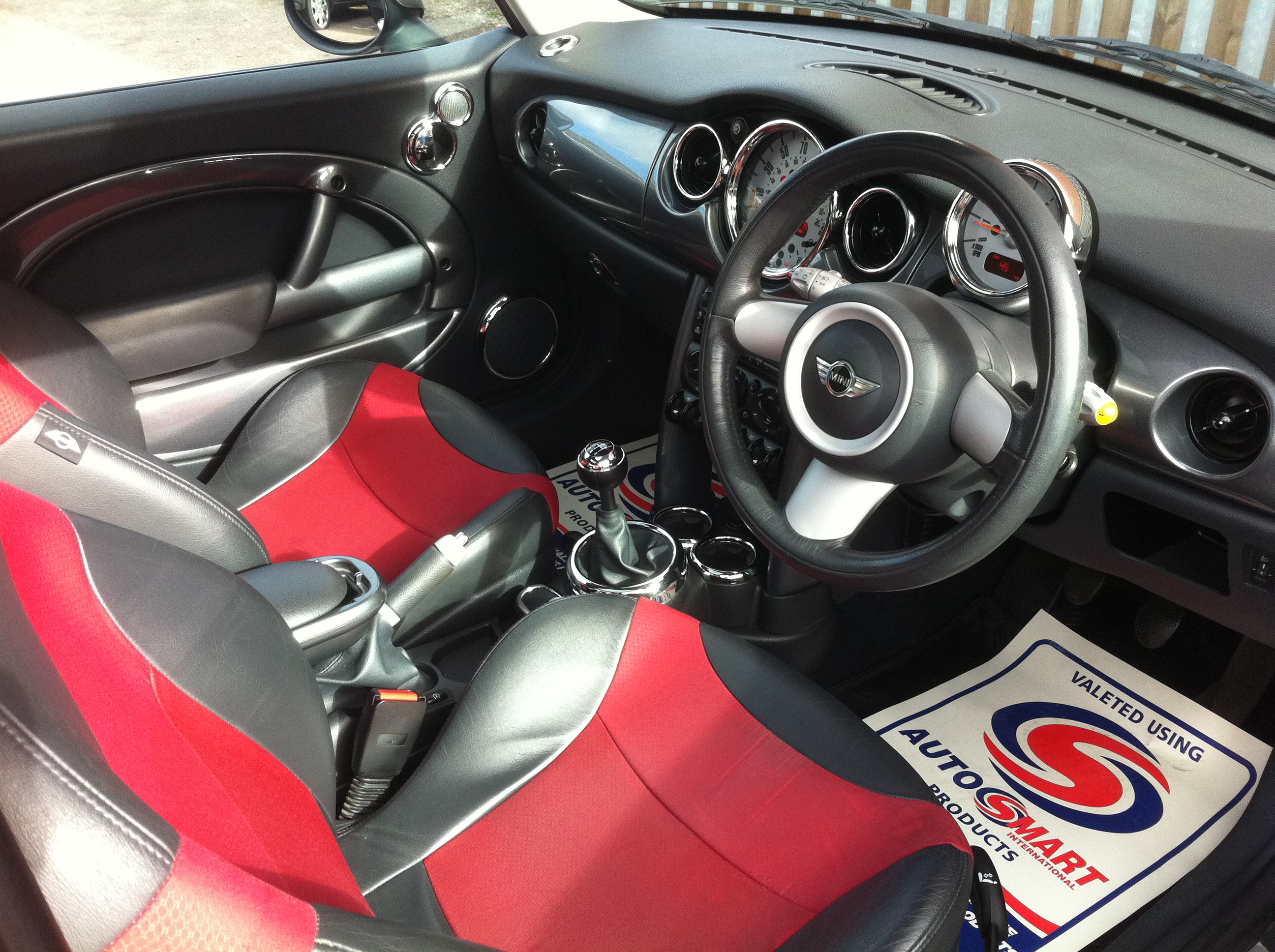 Bmw Owners Manual >> MINI COOPER 1.6 3DR HATCHBACK FULL SERVICE HISTORY/CHILLI PACK/PANORAMIC SUNROOF/HALF LEATHER/A ...